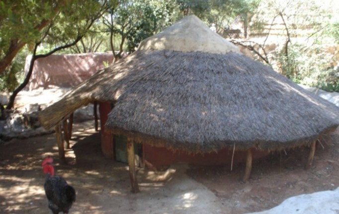 attractions682x512_25697527_credo-mutwa-cultural-village-oppenheimer-tower_3