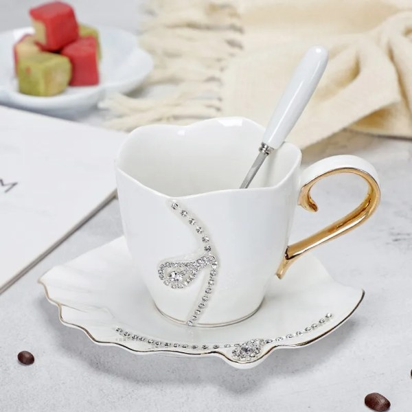 YEFINE Diamonds Design Coffee Mug Creative Gift Lovers Tea Cups 3D Ceramic Mugs With Rhinestones Decoration Cups And Saucers