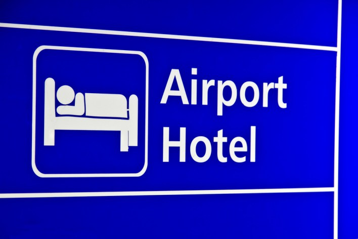 Airport Hotel Sign