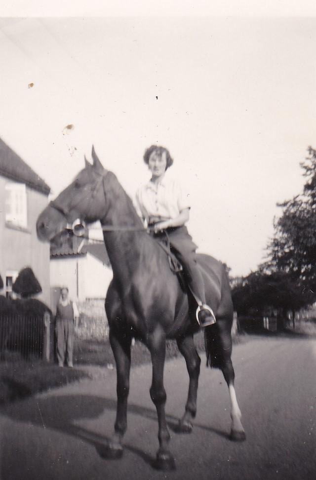 Peggy Morant outside Ivy Cottage