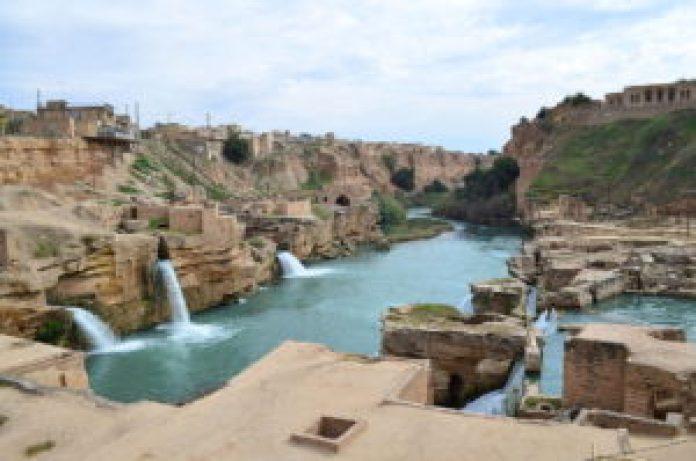 舒什塔尔的古代水利系统位于伊朗西部的胡齐斯坦省,是一个天才之杰作,历史可追溯到大流士大帝所在的公元前五世纪(维基百科)