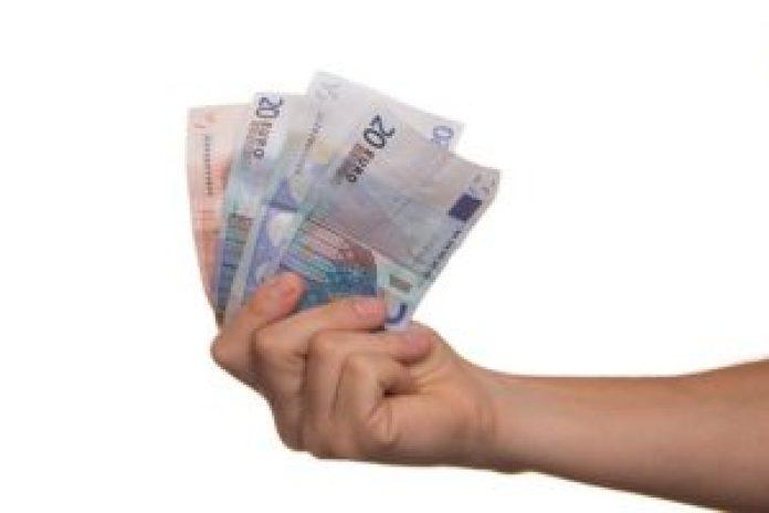 金钱是流动的,并不会成为你永远的财富(pixabay)