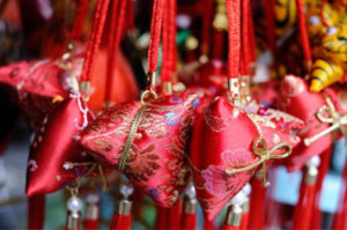 古代女子有配戴香囊的习俗。(苏玉芬/大纪元)