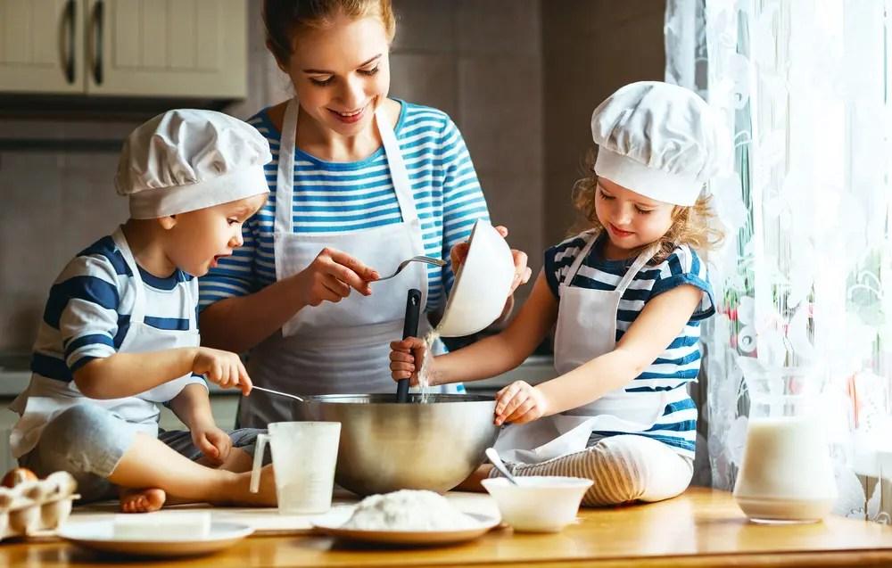 kitchen kid american standard sinks 与孩子一起 山川湖海 厨房与爱 简书 hi 天气变暖啦 和孩子一起下厨房吗