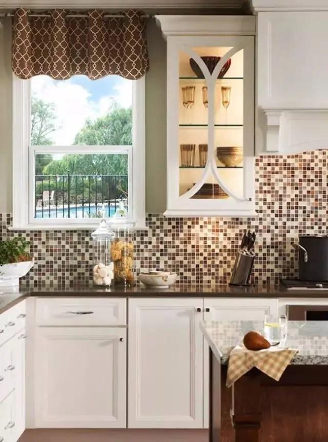 kitchen backspash vintage looking appliances 灵感 18个惊人华丽的马赛克厨房后挡板设计 简书 在选择瓷砖上并不一定都是完全相同的尺寸 事实上 它们越不规则 越有趣