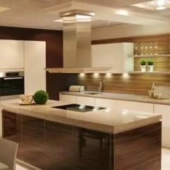 Aluminum Kitchen Cabinets Wall Coverings 大家都在选用铝合金橱柜 秘密在这里 简书 金厨银卫 在家装市场非常火爆的当下 人们对于厨房和橱柜的装修和采买要求都异常严格 橱柜在现代厨房中的地位也随之提高 再加上每家每户每天都要使用到厨房 使用