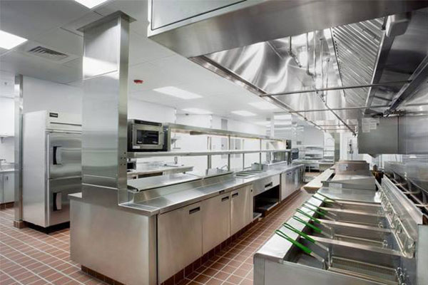 kitchen tables at target sink bottom grid 如何打造一个五星级酒店厨房工程 简书 厨房面积一般为餐厅面积的30 左右 厨房与餐厅要紧密相连 从厨房把饭菜送到客人的桌子在没有保温设备的条件下 最好不超过20m的距离 厨房与餐厅要放在一个层面上