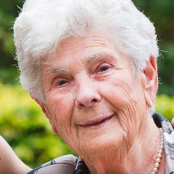 suzanne hoylearts, 90
