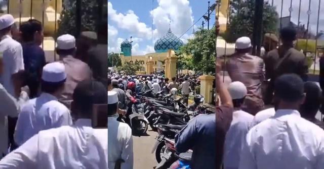 jemaah kalimantan rempuh masjid untuk solat jumaat