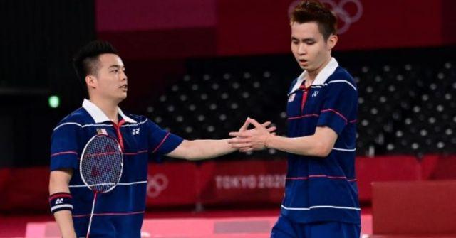 beregu badminton negara