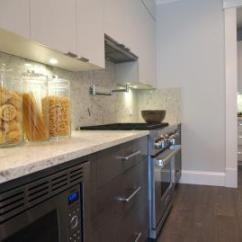 Kitchen Floor Designs Sink Grids 厨房地板射灯效果图 厨房地板射灯图片 厨房地板射灯装修效果图 点点美家 现代别墅厨房木制地板设计装修效果图
