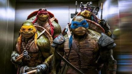 Hết truyện tranh, 4 chàng ninja Rùa lại đến thăm Batman trong Injustice 2