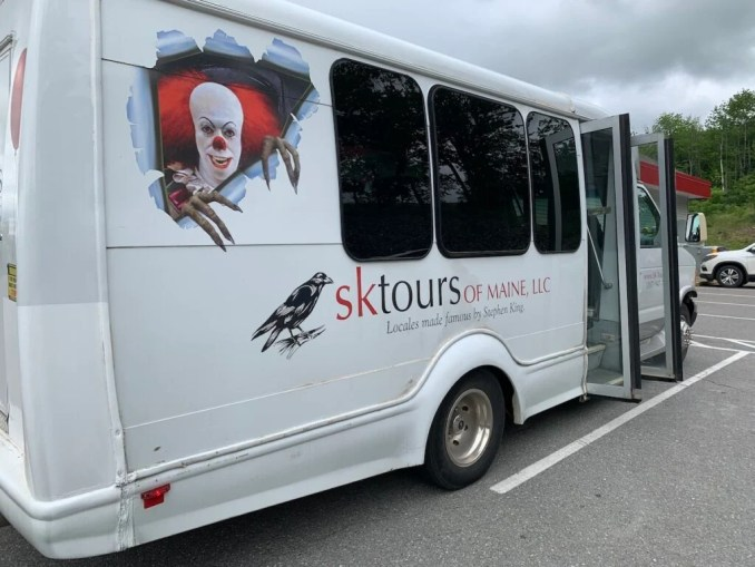SK Tours of Maine bus in Bangor.