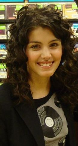 Cropped photo of Katie Melua at a CD signing