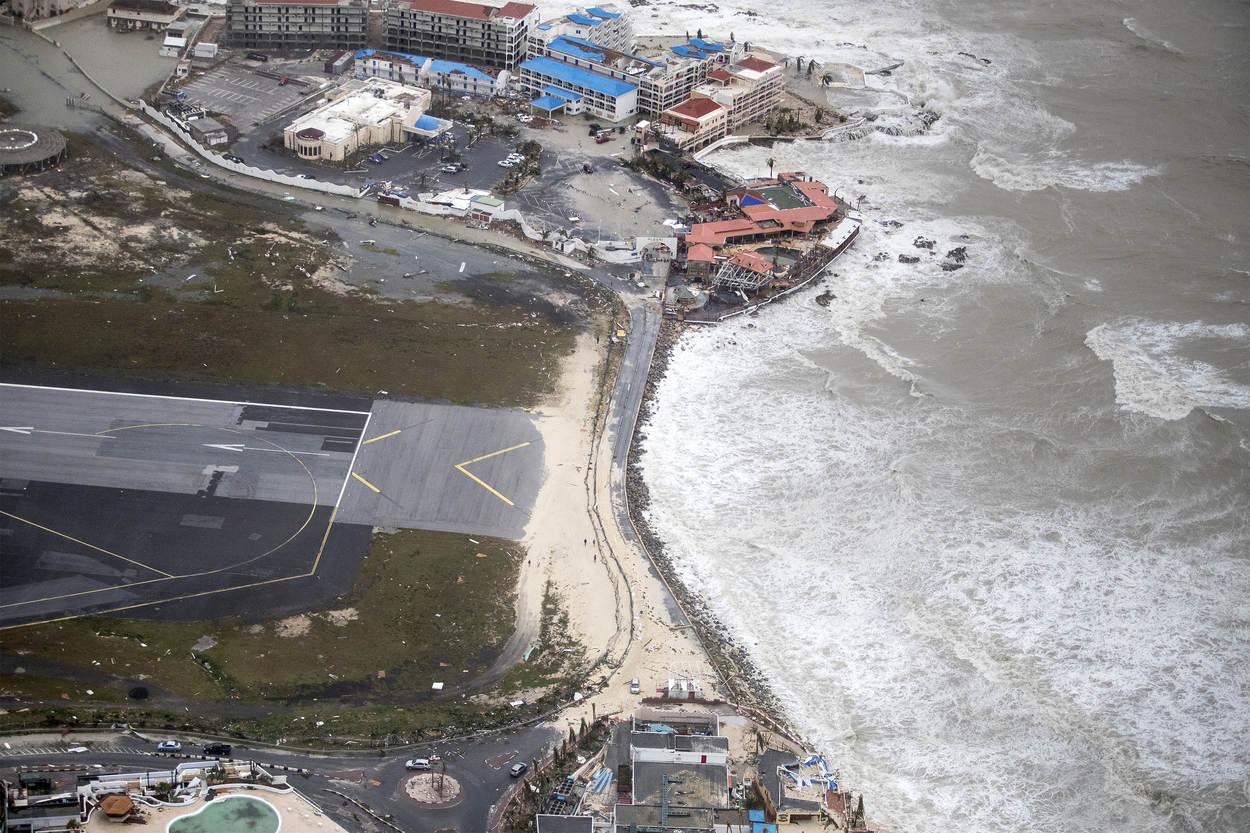 maho beach wikipedia