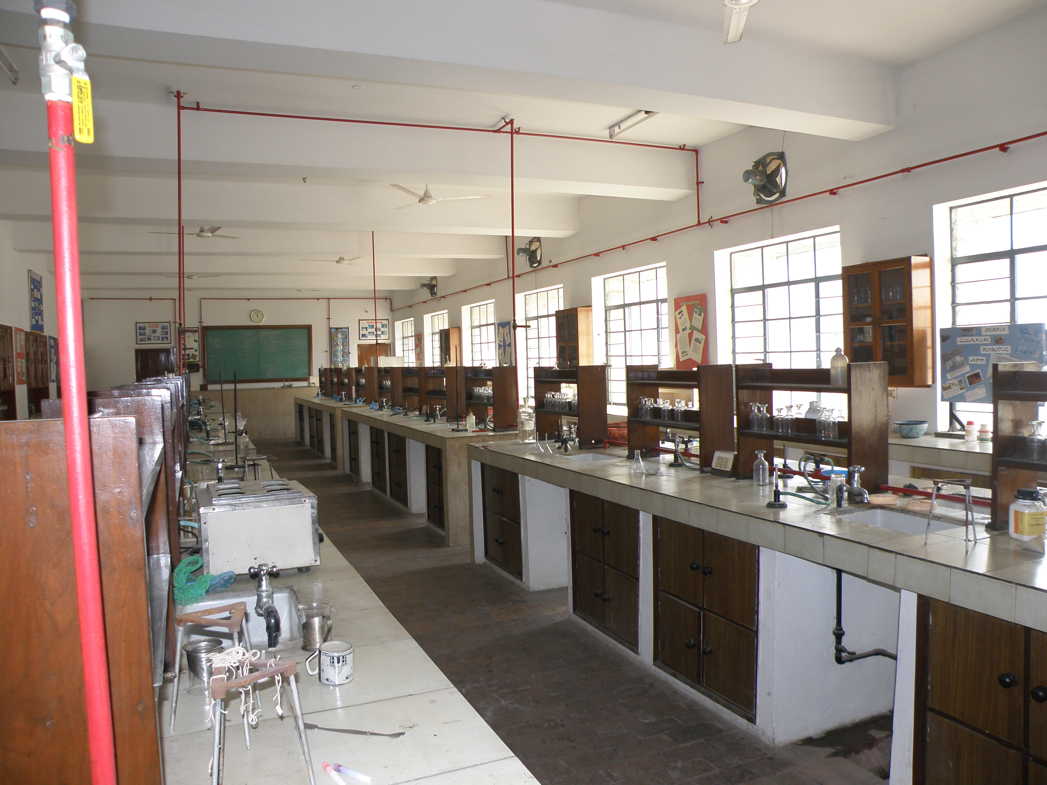File Senior Chemistry Lab At Mother S International School