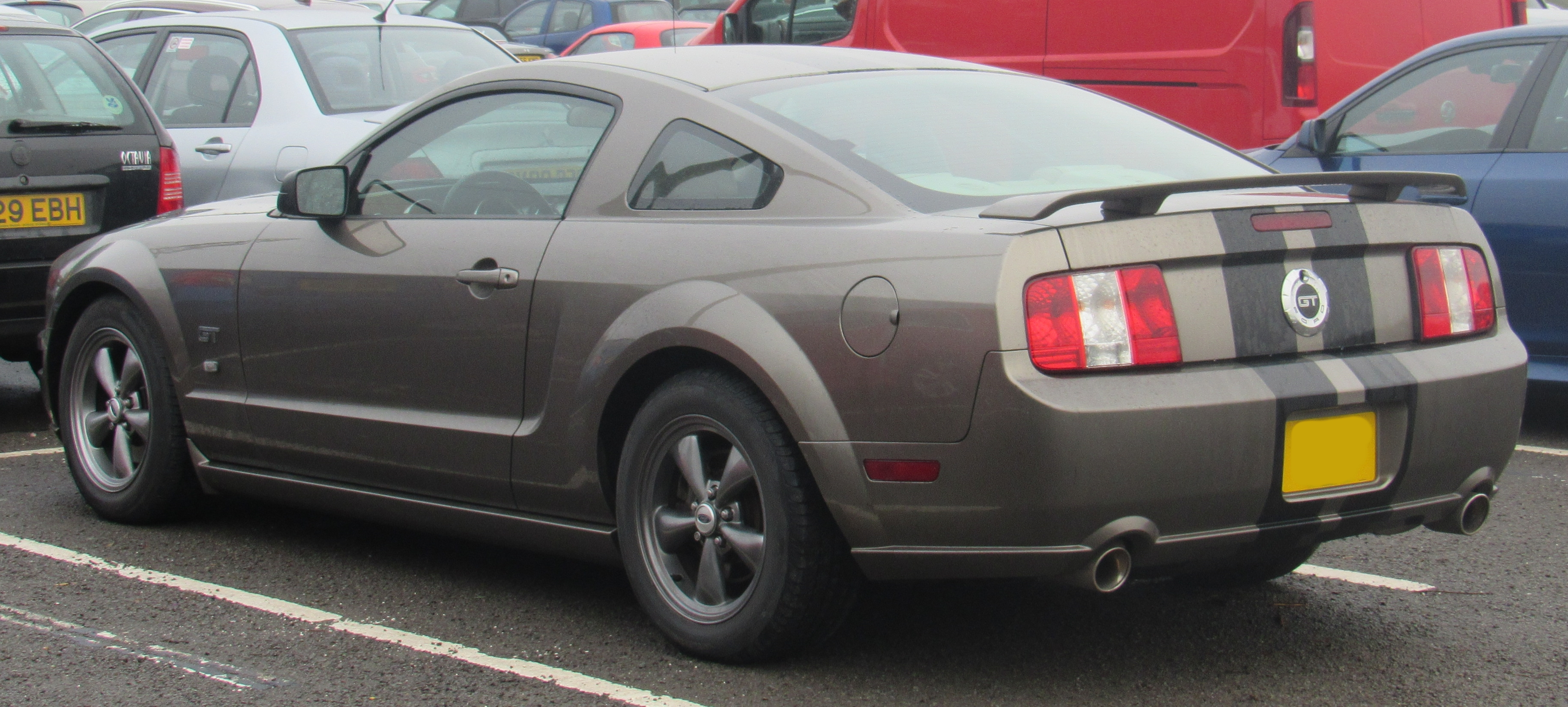 https commons wikimedia org wiki file 2006 ford mustang gt 4 6 jpg