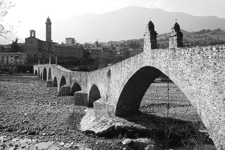 La Gioconda e il Ponte gobbo sul Trebbia