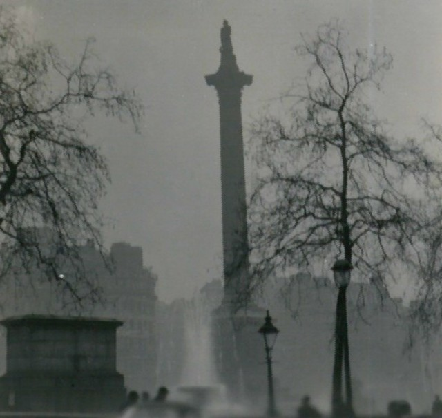 https://i0.wp.com/upload.wikimedia.org/wikipedia/commons/0/02/Nelson%27s_Column_during_the_Great_Smog_of_1952.jpg