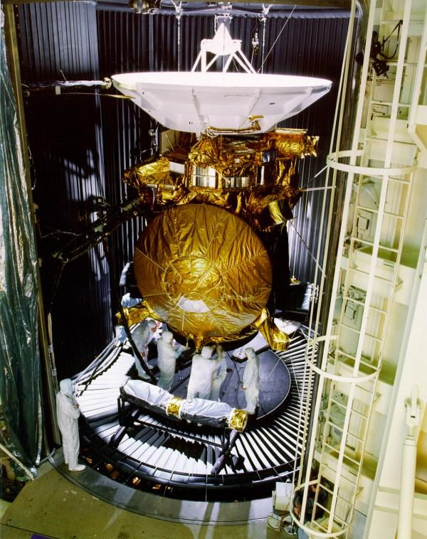 File Cassini Preflight - Wikimedia Commons