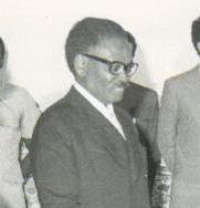 Polski: Ambasador Polski w Angoli, gen. dyw. R...