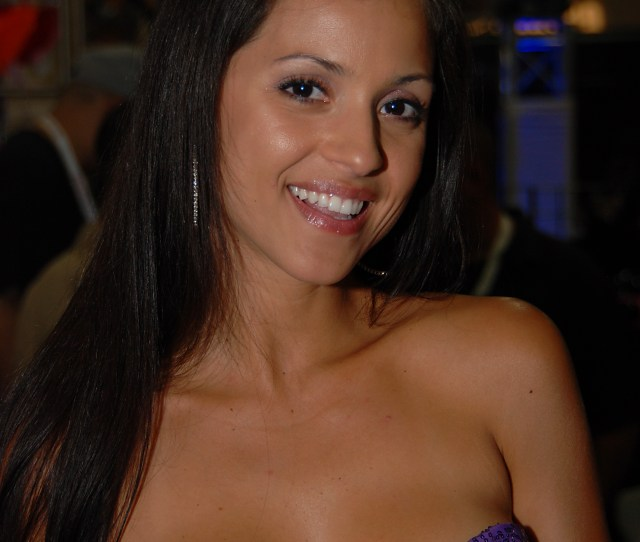 Filejanessa Brazil At Exxxotica New Jersey 2010 9 Jpg