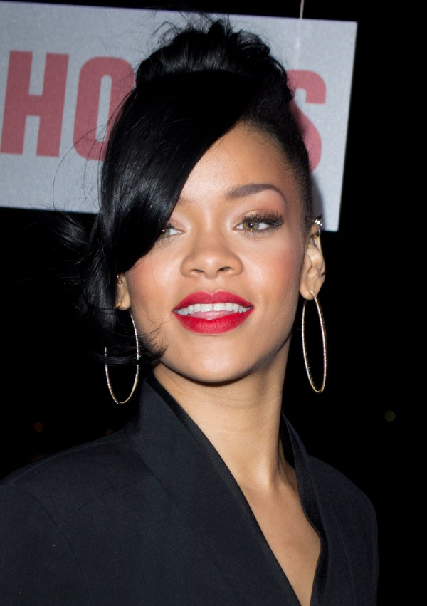 File Rihanna 5 - Wikipedia