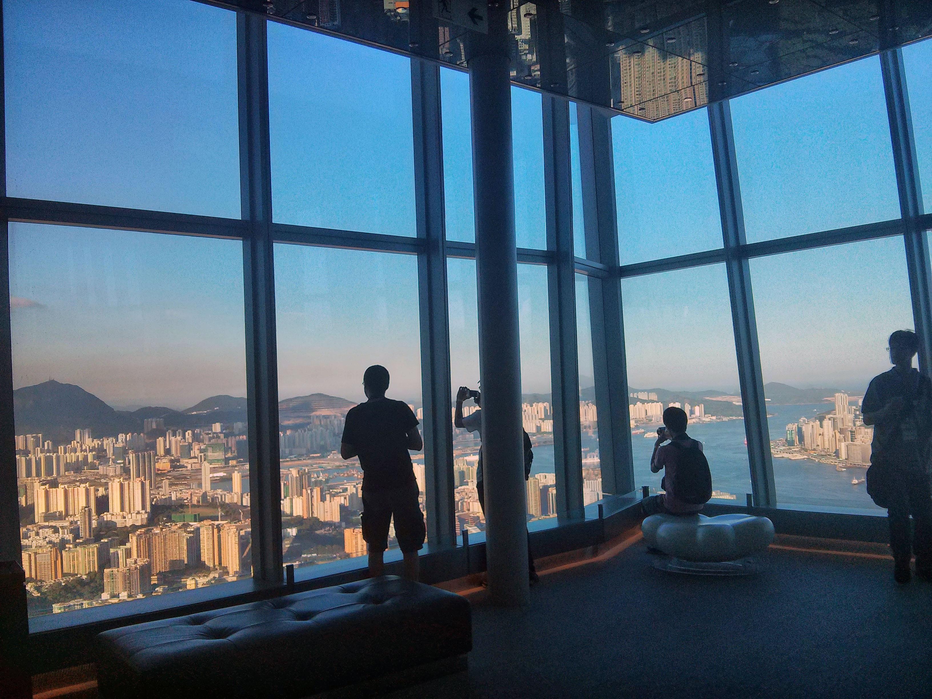 香港四天三夜自由行程,給個建議!!謝謝!!!!