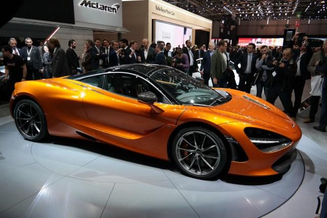 https://i0.wp.com/upload.wikimedia.org/wikipedia/commons/0/05/2017-03-07_Geneva_Motor_Show_1135.JPG?resize=640%2C427&ssl=1
