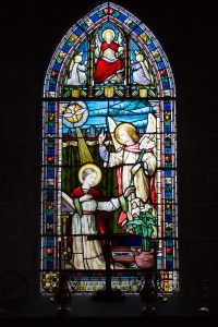 File:Grouville Church stained glass window 01.JPG ...
