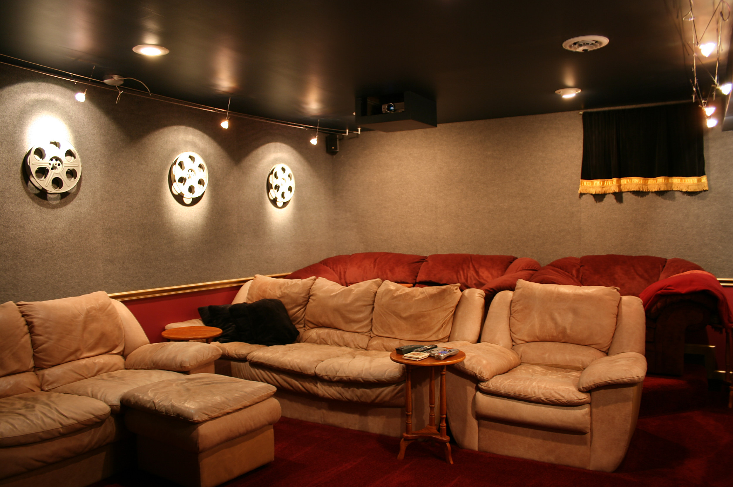 home theatre sofas india mattress topper suitable for sofa bed file theater tysto jpg wikimedia commons