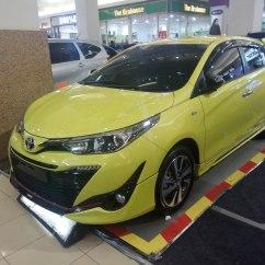 New Yaris Trd Sportivo Gambar Mobil Toyota Grand Veloz File 2018 Royal Plaza South Surabaya Jpg