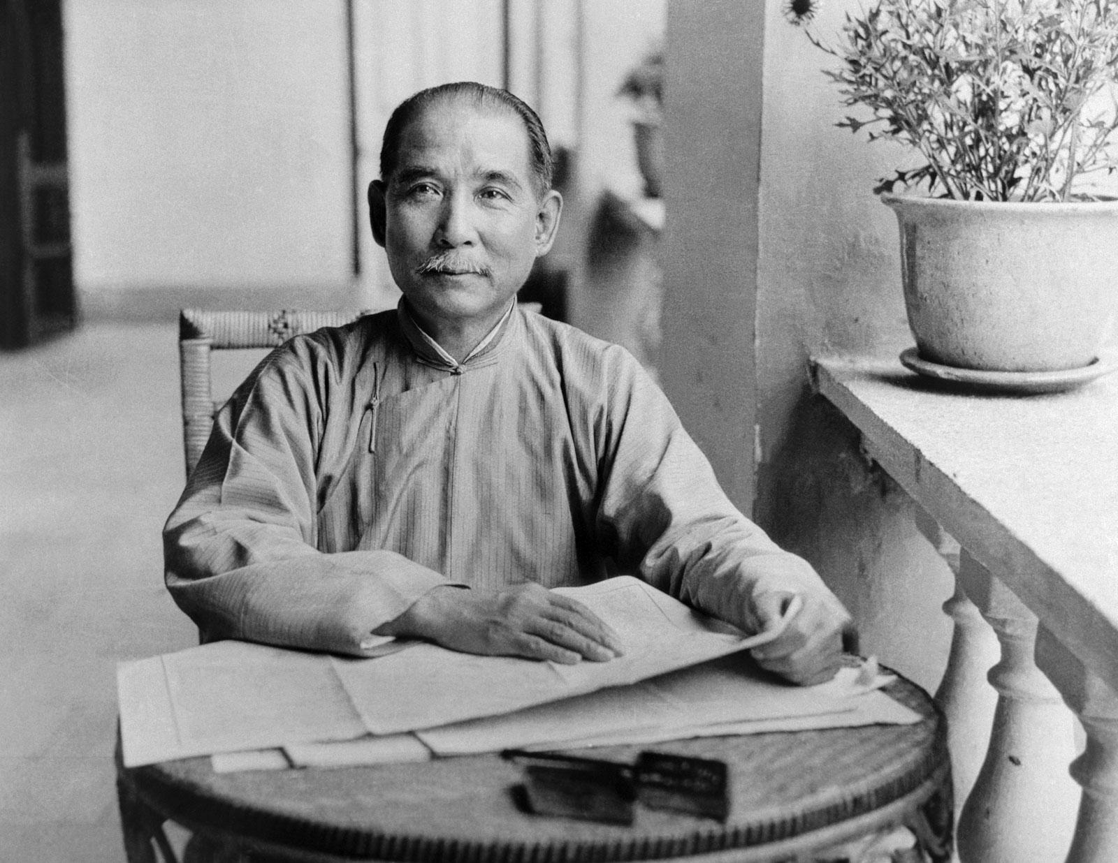 Dr. Sun Yat-sen in 1924 in Guangzhou