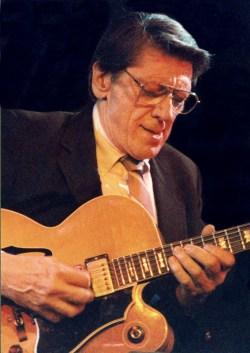 Tal Farlow con chitarra - recensione