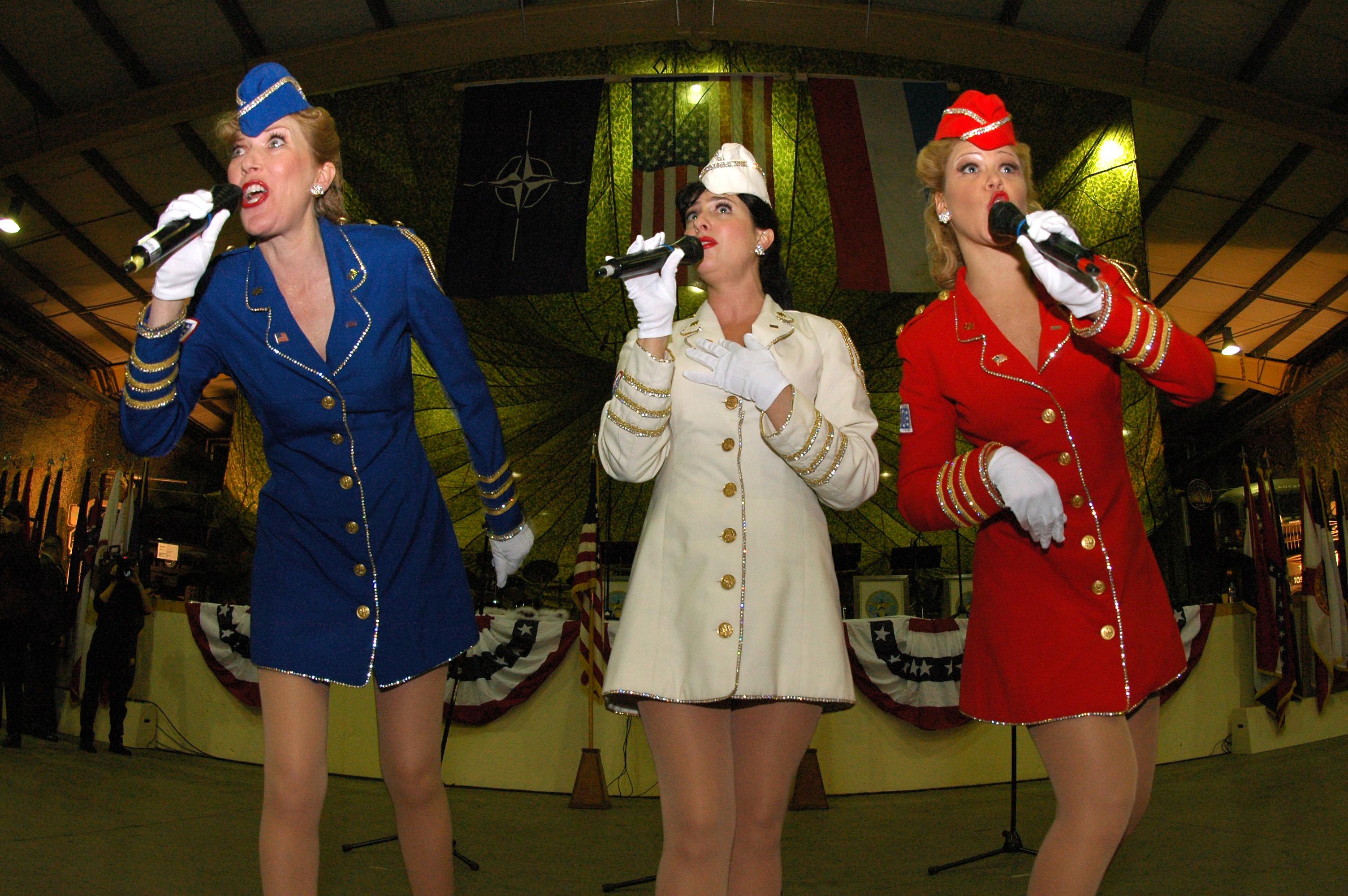 FileUS Navy 041216 N 3236B 025 The New York Based Liberty