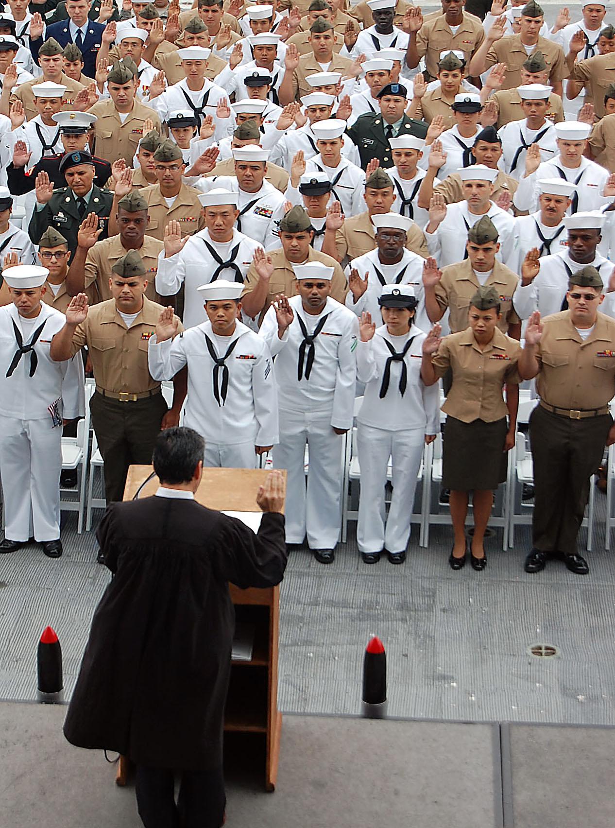 FileUS Navy 090528N3207B034 Sailors Marines Soldiers