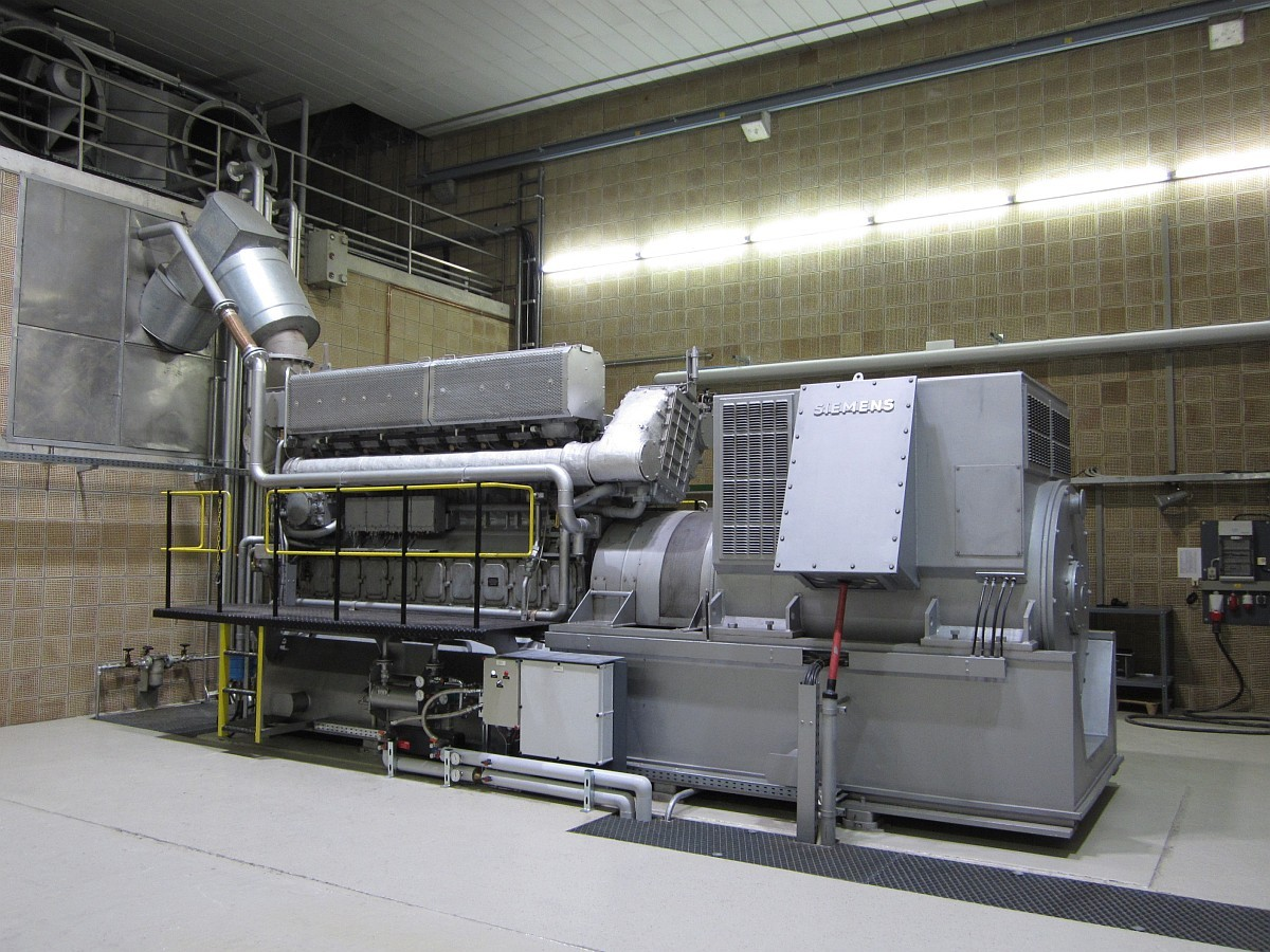 hight resolution of emergency power electric generator in a water purification plant driven by a marine propulsion diesel engine