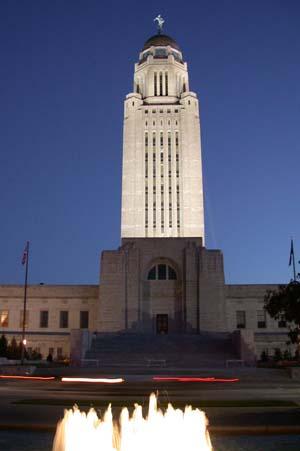 English: Nebraska State Capitol at night (take...
