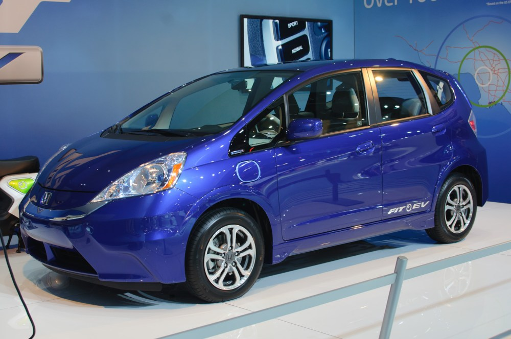 medium resolution of 2013 model year honda fit ev electric car unveiled at the 2011 la auto show