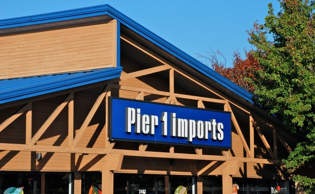 Pier 1 Ceo Stepping Down After Holiday Season Retail Dive