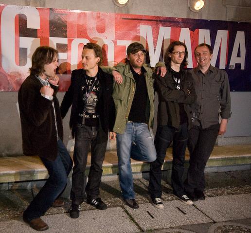Slovenščina: Big Foot Mama pred koncertom v Kr...