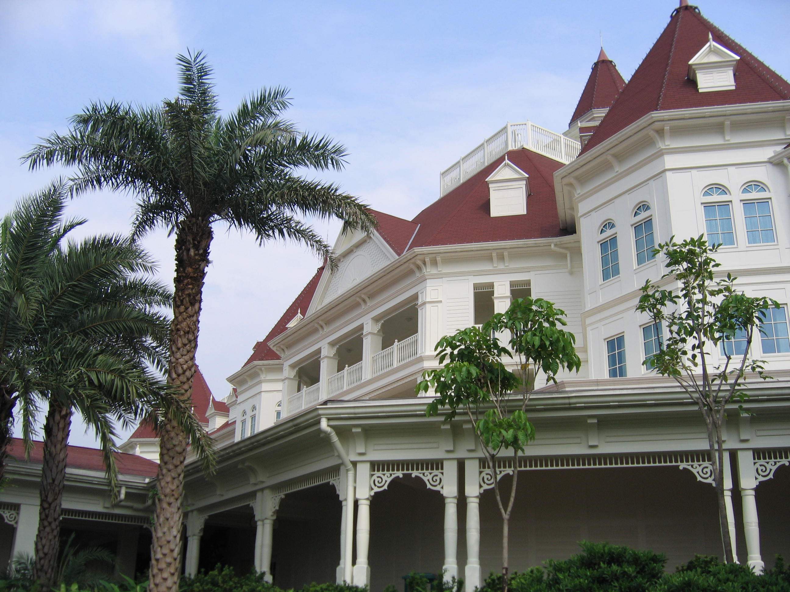 File:Hk disneyland hotel.jpg - Wikimedia Commons
