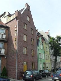 File Gdask Hotel - Wikimedia Commons