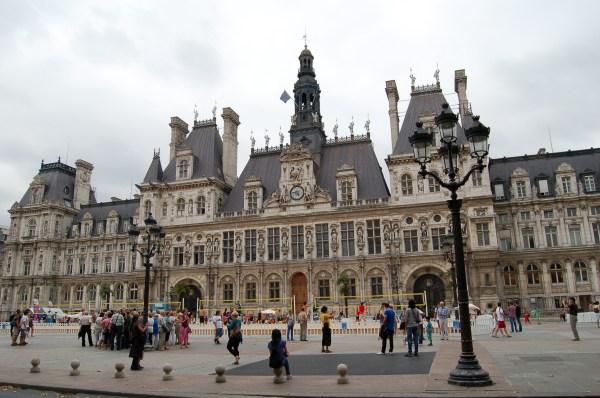 File Hotel De Ville & Paris - Wikimedia Commons