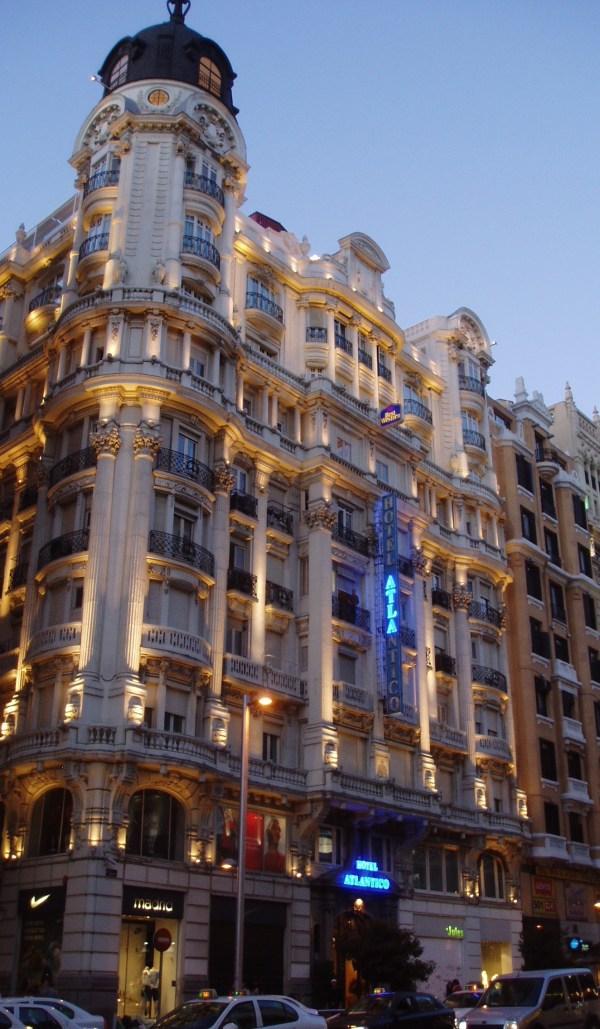 File Gran 38 Madrid . Antigua Relojer Girod Obra