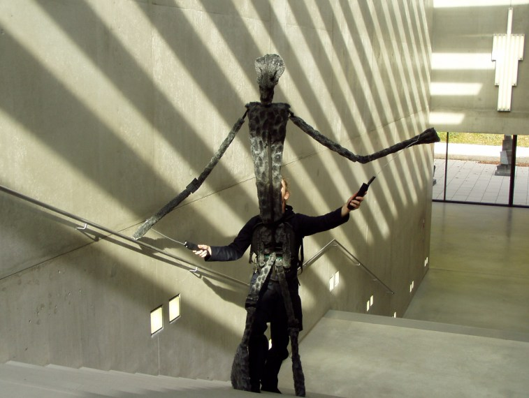 https://i0.wp.com/upload.wikimedia.org/wikipedia/commons/0/0e/Karin-schaefer-puppet-museum-modern-art-salzburg.jpg?resize=757%2C570