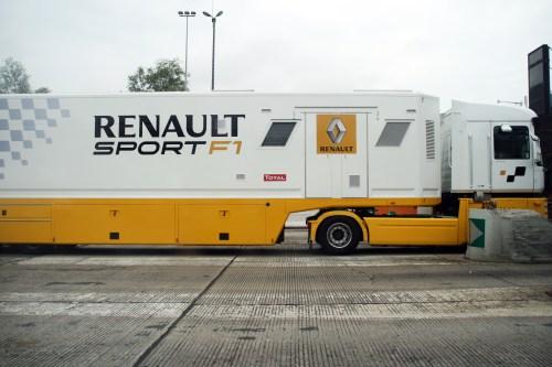 small resolution of file renault sport f1 truck jpg