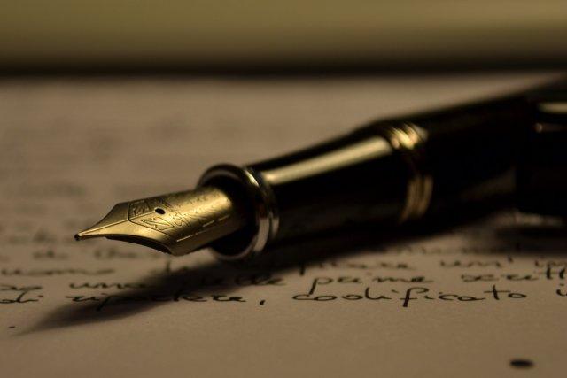 Ilustrasi menulis
