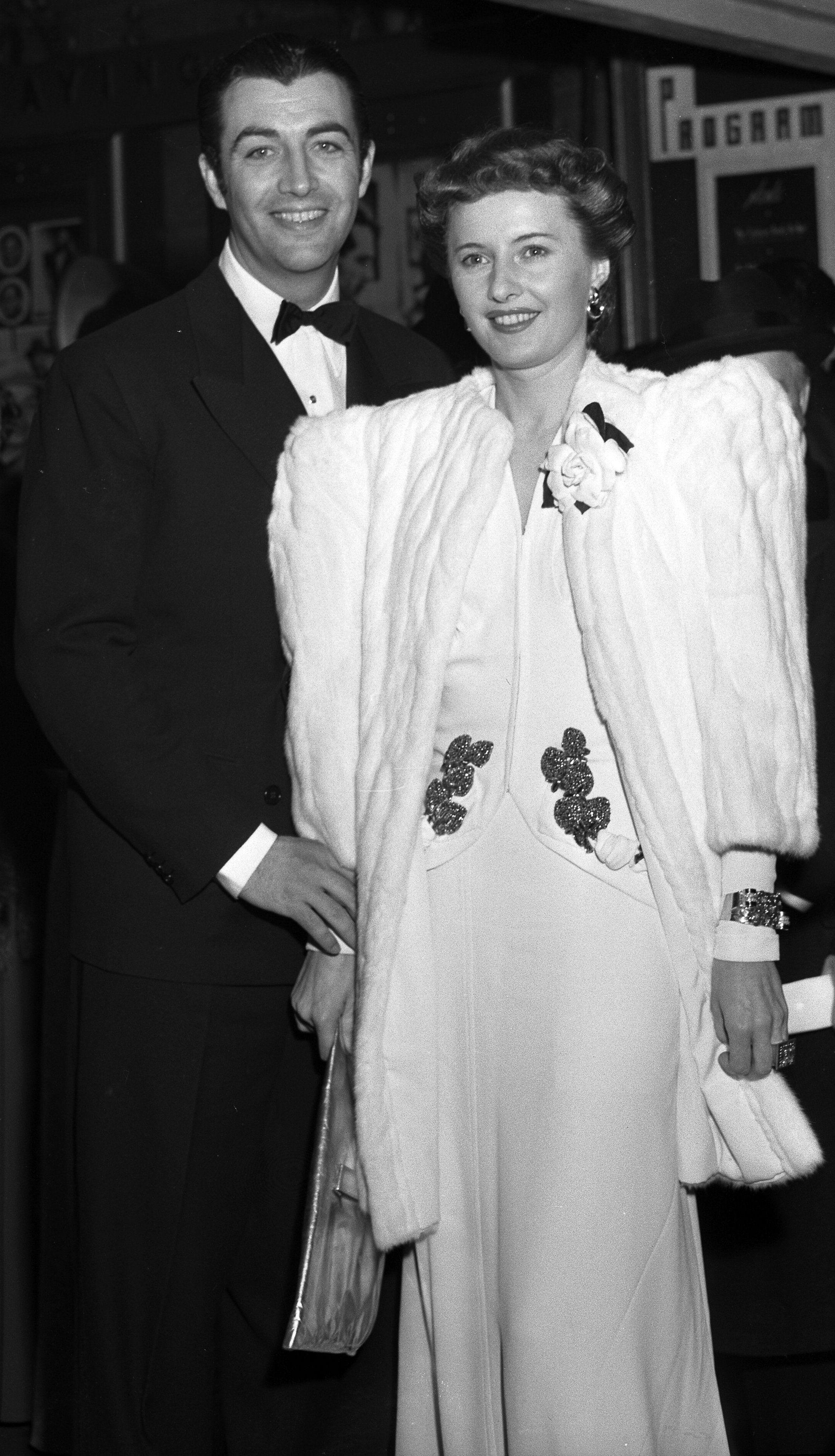 Actors Barbara Stanwyck and Robert Taylor at t...