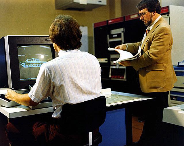 IKT ikastaro berriak eskainiko dizkigute. Bai ondo! (Irakasleriaren %13ek ez duela ezta e-posta zerbitzua ere erabiltzen irakurri nuen aurreko batean).